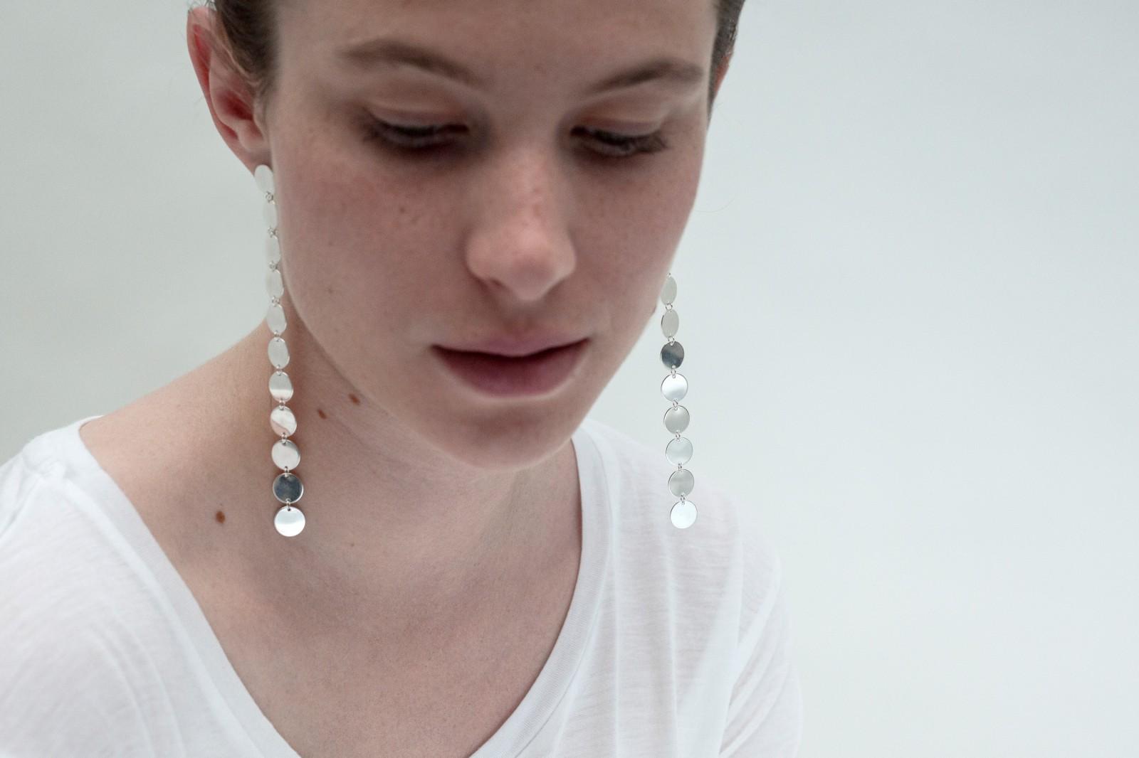 Saskia Diez Long Fringe Silver Earrings in Silver Zrv3a