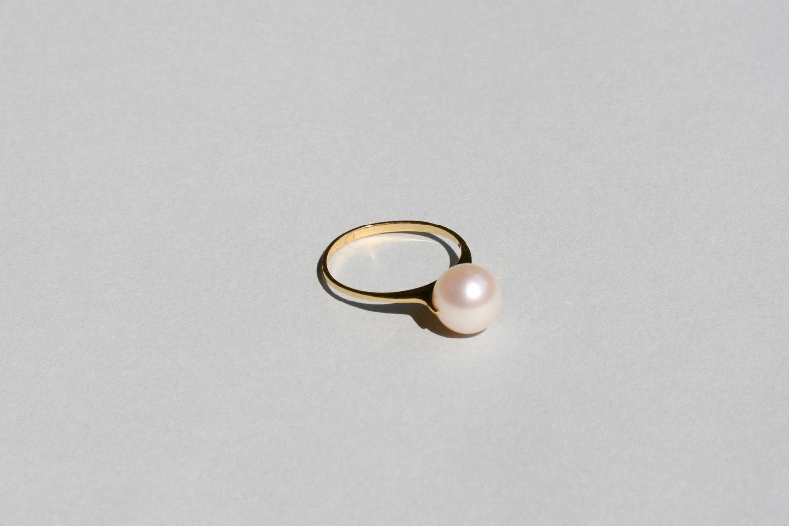 Saskia Diez Pearly circle earrings RIx5JaHNyL